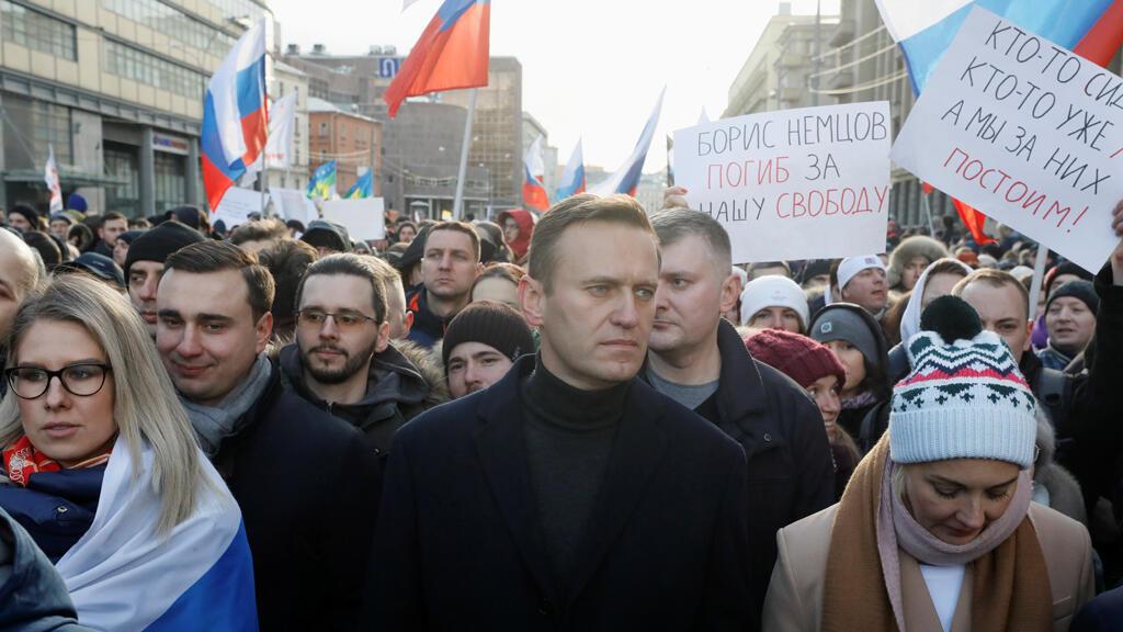 يشارك المعارض الروسي أليكسي نافالني وزوجته يوليا في تجمع حاشد للاحتفال بالذكرى الخامسة لمقتل السياسي المعارض بوريس نمتسوف والاحتجاج على التعديلات المقترحة على دستور البلاد ، في موسكو