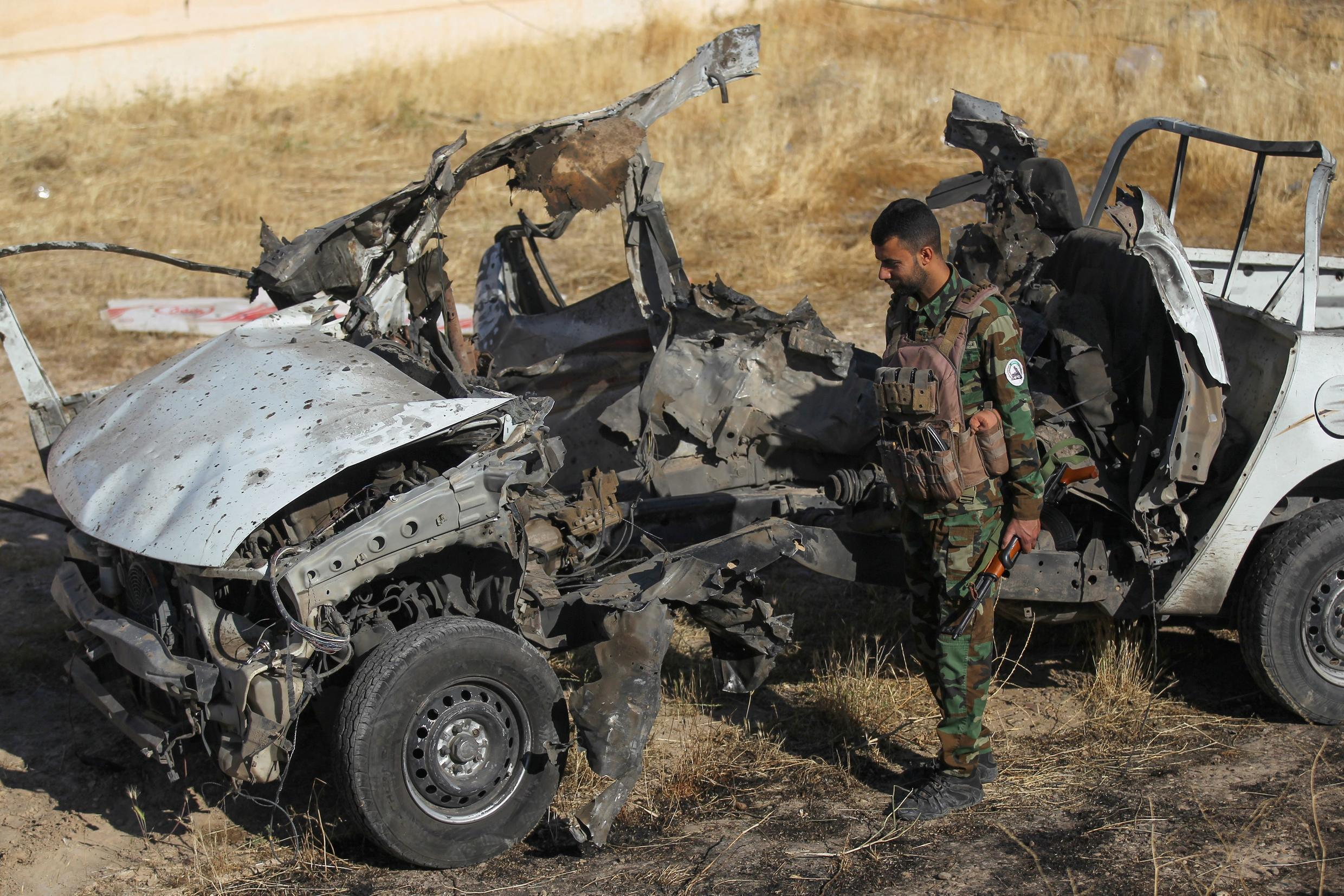 fighter_hashed_chaabi_inspects_attack_isis_iraq