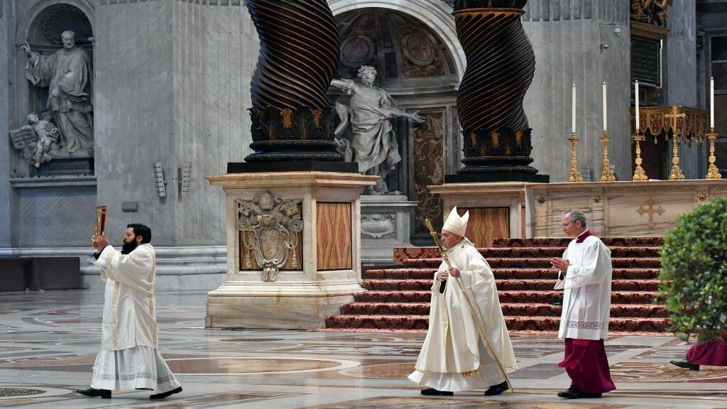 pope_francis_holy_thursday_st_peter_church_vatican