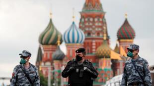 عناصر من الشرطة الروسية في موسكو