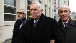 الرئيس السابق للاتحاد البرازيلي لكرة القدم جوزيه ماريا مارين، في طريقة إلى محكمة بروكلين في نيويورك
