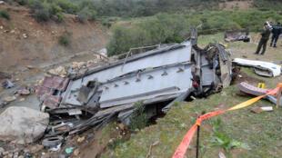 صورة للحافلة التي سقطت في واد في تونس يوم 1 ديسمبر 2019