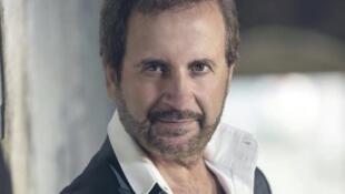 الفنان غسان صليبا