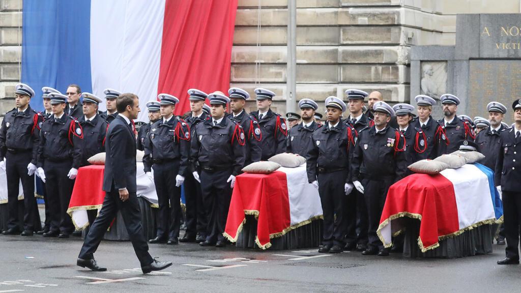 الرئيس الفرنسي إيمانويل ماكرون في حفل أقيم في محافظة شرطة باريس يوم 8 أكتوبر 2019