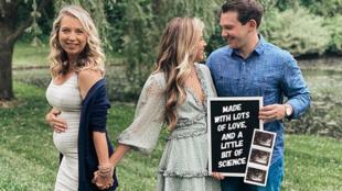 برينا وآرون لوكوود مع أم برينا الحامل