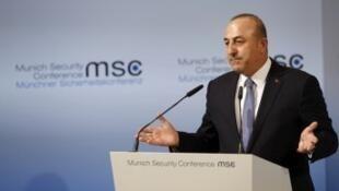 وزير الخارجية التركي مولود تشاوس أوغلو