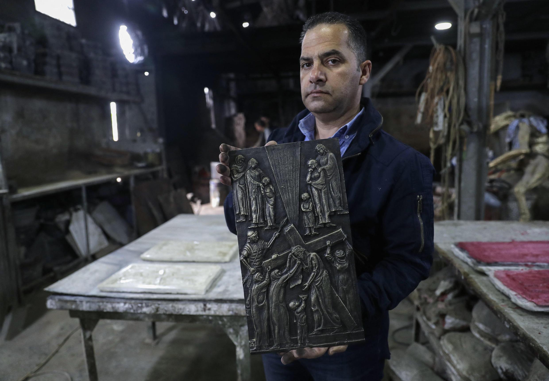 sculture pape irak
