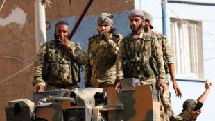 """فصائل عربية مدعومة من تركيا تشارك في عملية """"نبع السلام"""""""