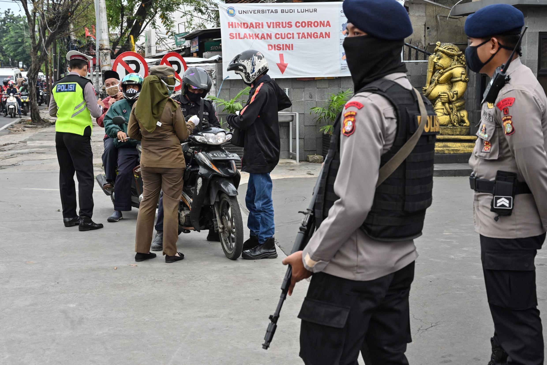 controle police djakarta 11 05 2020