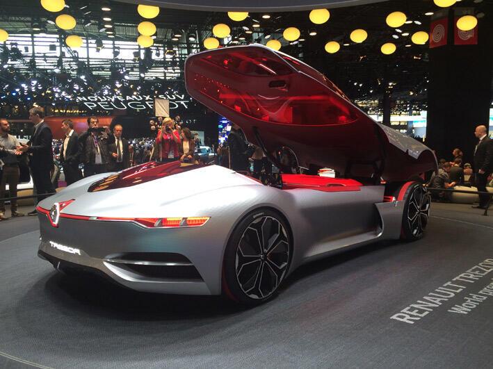 """سيارة """"تريزور"""" في معرض باريس الدولي للسيارات"""