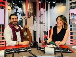 الإعلامية عبير نصراوي مع عازف العود حلمي مهذبي