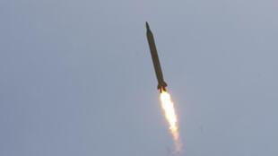 إطلاق صاروخ  في إيران