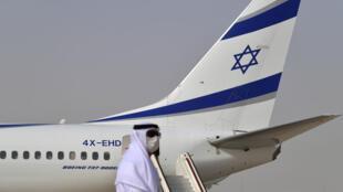 الطائرة الإسرائيلية في مطار أبو ظبي