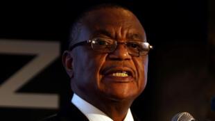 كونستانتينو تشيوينجا نائب رئيس زيمبابوي-
