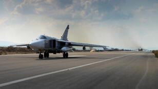 طائرة روسية عسكرية في قاعدة حميميم السورية