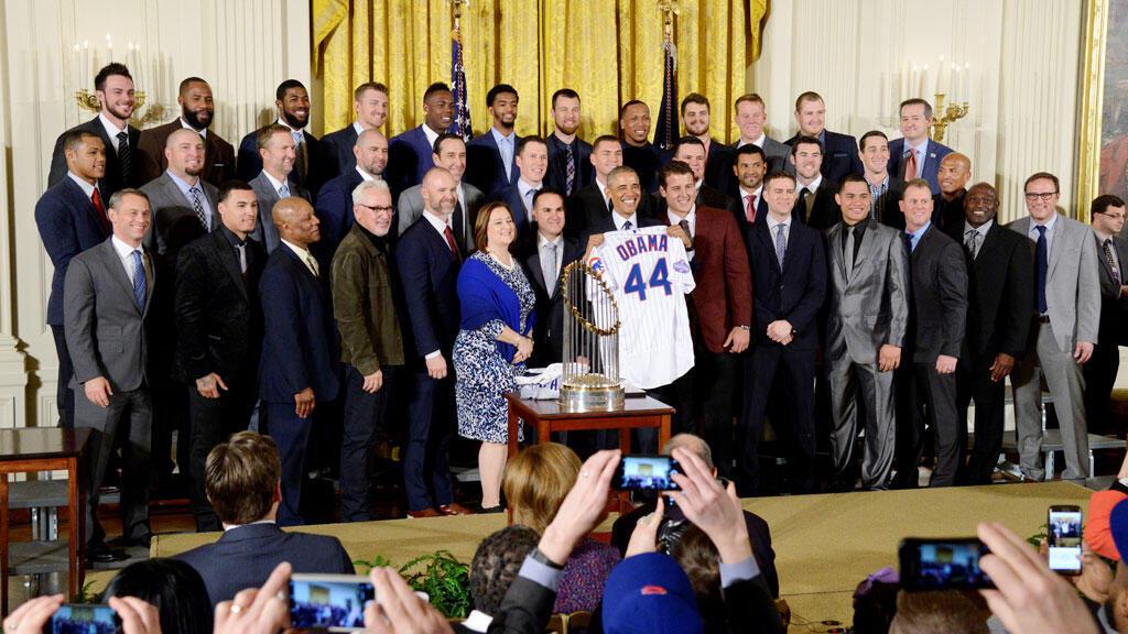 الرئيس أوباما ستقبل في البيت الأبيض فريق شيكاغو بطل الدوري الامريكي في البيسبول