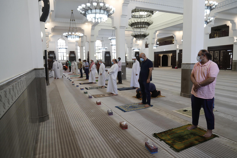 doha_qatar_muslim_worshippers_coronavirus