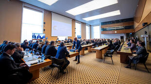 خلال اجتماع اللجنة الدستورية السورية في مقر الأمم المتحدة في جنيف-