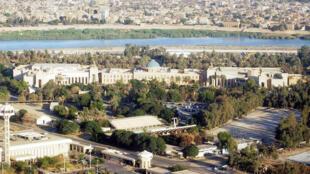 مشهد من المنطقة الخضراء وسط بغداد حيث تتمركز القوات الأمريكية