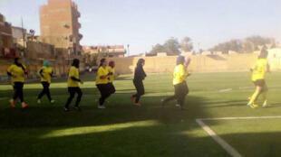 لاعبات كرة القدم بالصعيد المصري