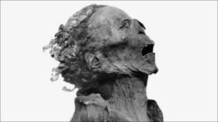 مومياء منسوبة لابن رمسيس الثالث بنتاويرت