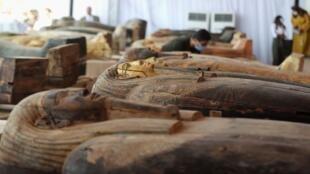 اكتشاف أثري مصري جديد في سقارة يضم 59 تابوتا لكهنة وكبار موظفي الدولة ( أرشيف)