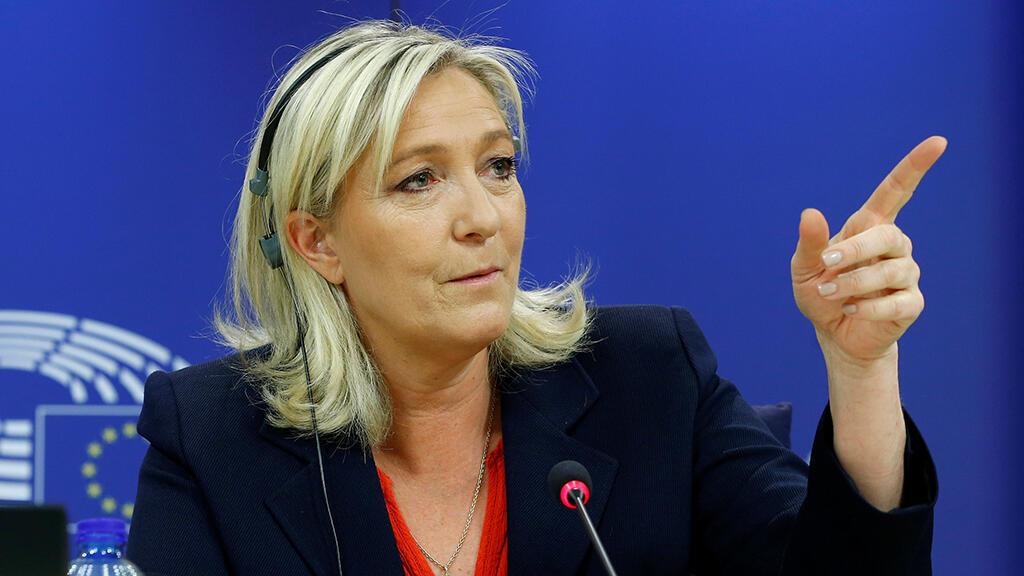 زعيمة حزب الجبهة الوطنية مارين لوبان