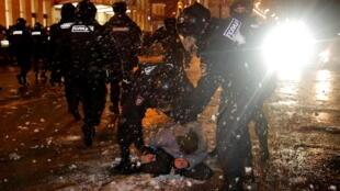 2021-01-23T185621Z_870406549_RC2UDL9UQCR6_RTRMADP_3_RUSSIA-POLITICS-NAVALNY-PROTESTS