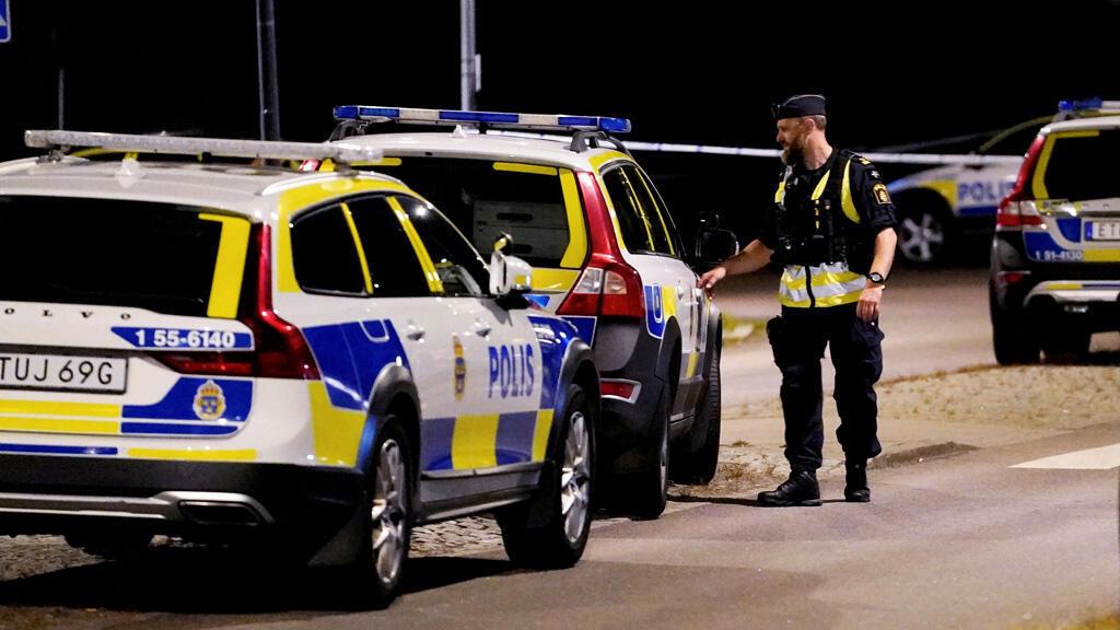 عنصر من الشرطة السويدية