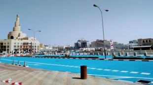 طرقات مطلية بالأزرق في قطر