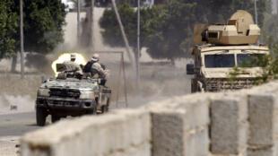 مواجهة بين قوات تابعة للحكومة وأخرى تابعة لحفتر، جنوب العاصمة طرابلس 29/04/2019