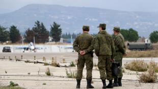 ضباط من الجيش الروسي