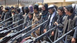 مقاتلون من الدولة الإسلامية استسلموا للقوات الأفغانية في إقليم جوزجان بشمال أفغانستان -