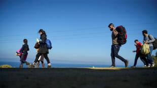 لاجئون سوريون في جزيرة لسبوس اليونانية 19 تشرين الثاني/نوفمبر 2015