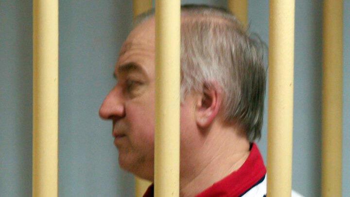 سيرغي سكريبال خلال محاكمته في موسكو يوم 9 أغسطس / آب 2006 ( أ ف ب)