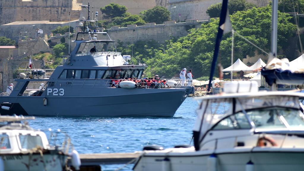 سفينة آلان كوردي تدخل المرفأ المالطي