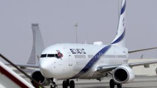 الطائرة التي تقل أول رحلة تجارية بين إسرائيل والإمارات
