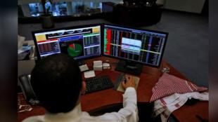 متعامل مع البورصة في السعودية