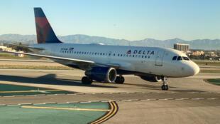 """طائرة تابعة لشركة الطيران """"دلتا"""""""