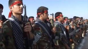 قوات من الباسيج خلال تدريبات عسكرية