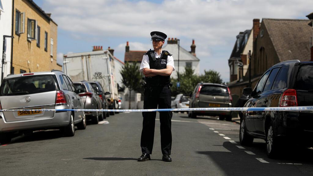 شرطية بريطانية-