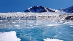 lac_fryxell_antarctique
