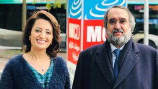 إيمان الحمود رفقة عبد العزيز بن صقر أمام مبنى مونت كارلو الدولية في باريس