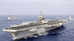 قطح عسكرية تابعة للبحرية الأمريكية