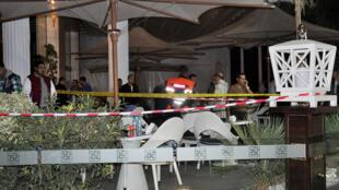 صورة للمقهى الذي شهد الجريمة  (أ ف ب 02-11-2017)