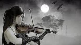 موسيقى للقمر
