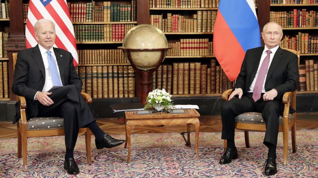 الرئيس الأمريكي جو بايدن يلتقي نظيره الروسي فلاديمير بوتين في قمة في جنيف