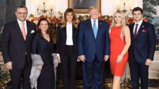 دونالد ترامب رفقة ابنته وخطيبها وعائلته من أصول لبنانية-
