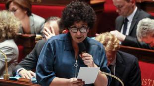 وزيرة التعليم العالي الفرنسية فريديريك فيدال في البرلمان