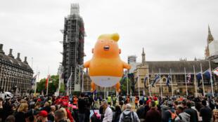 trump ballon